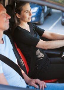 Salli Driver i brug i en bil